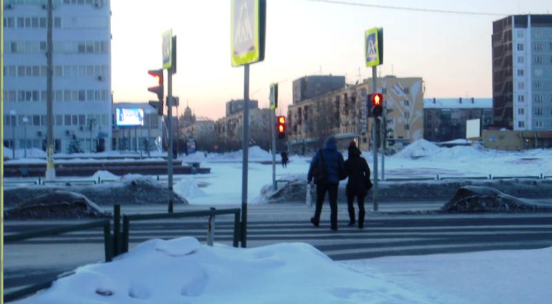 Пешеходы идут на красный! 2