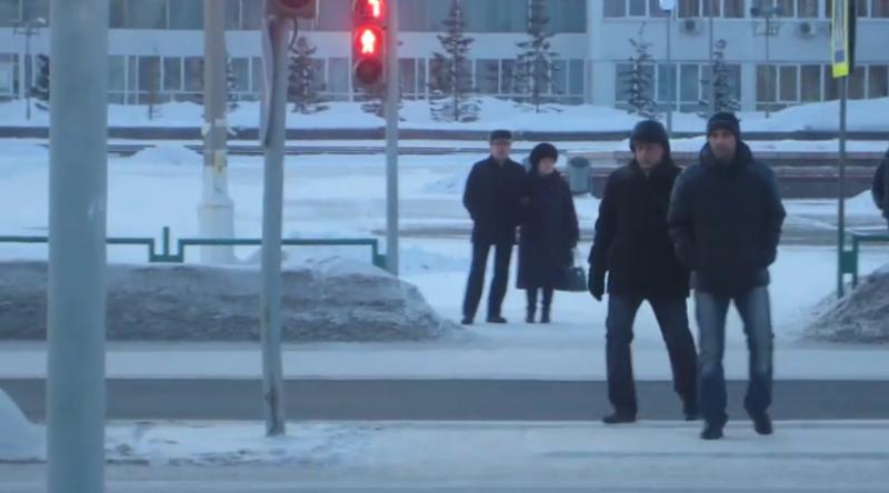 Пешеходы идут на красный! 4